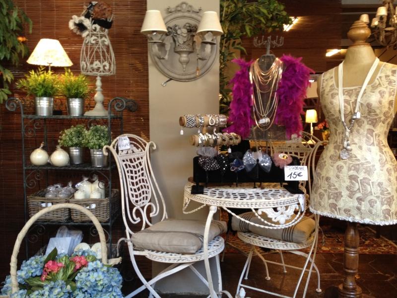 Regalo muebles madrid affordable bonito mueble saln for Muebles originales madrid