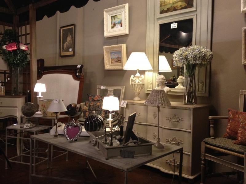 Muebles lacados y decapados tienda muebles antiguos madrid - Casas de muebles en madrid ...