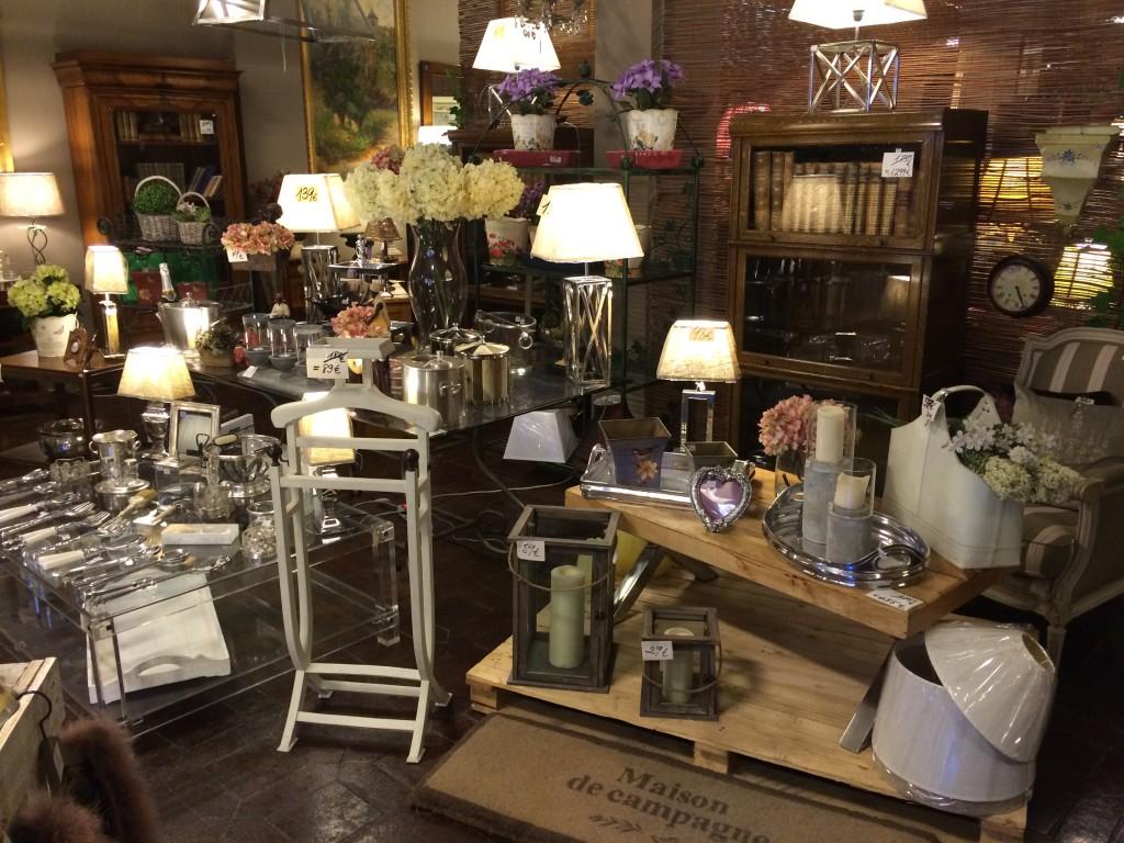 Tienda mesas de comedor y muebles clasicos madrid - Muebles originales madrid ...