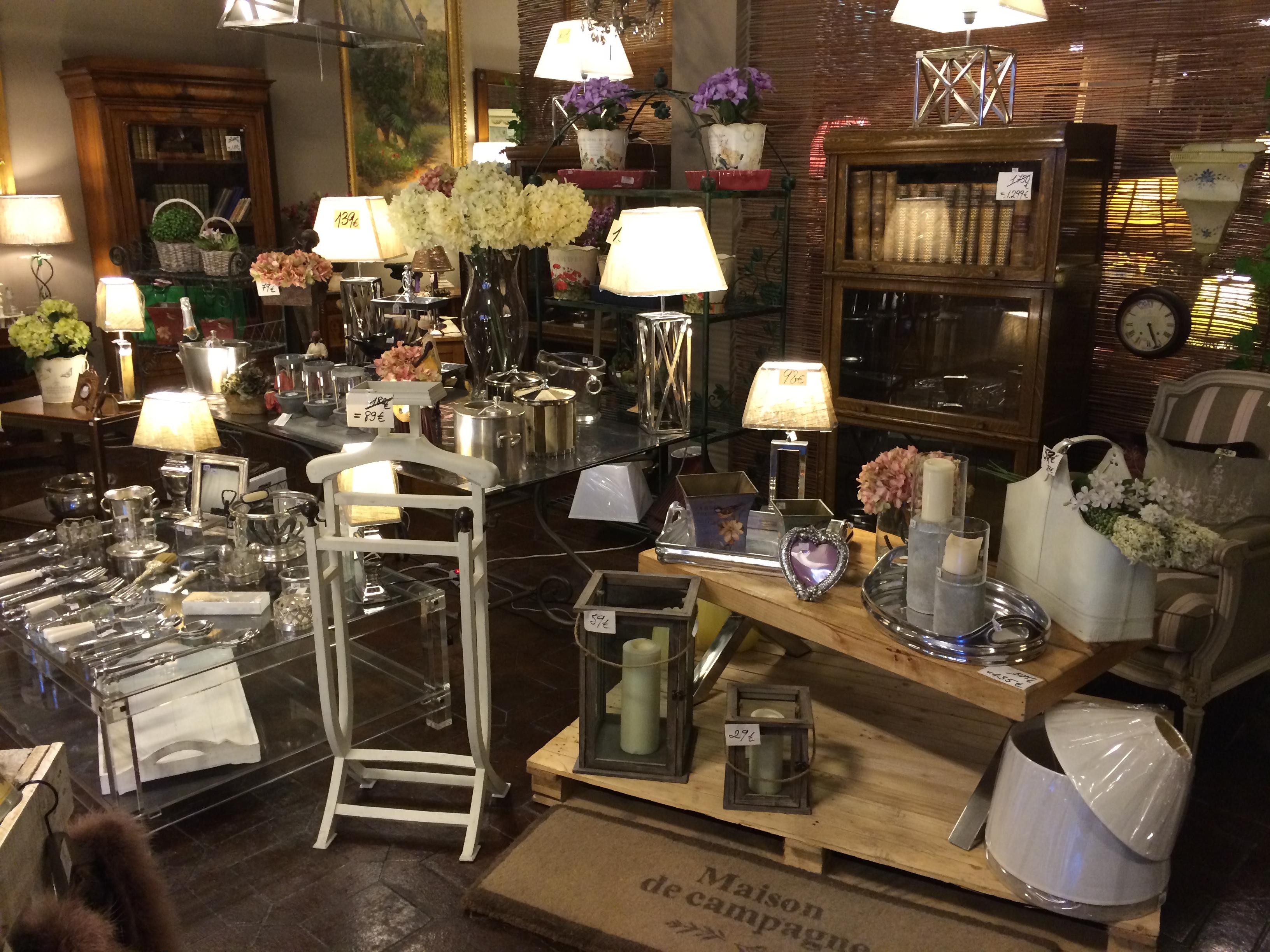 Tienda mesas de comedor y muebles clasicos madrid - Muebles para restaurar madrid ...