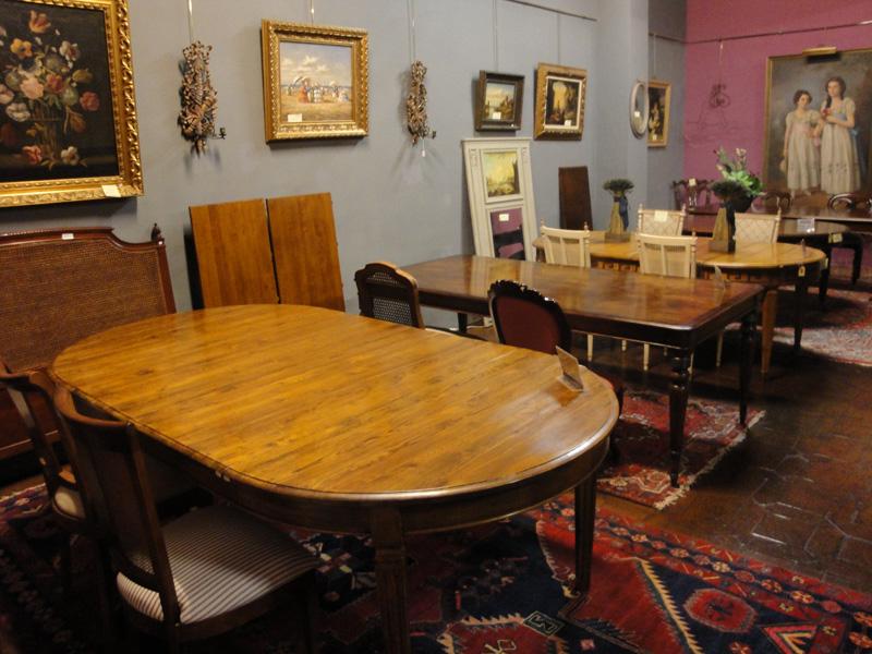 Mesas de comedor clasicas madrid for Comedores redondos clasicos