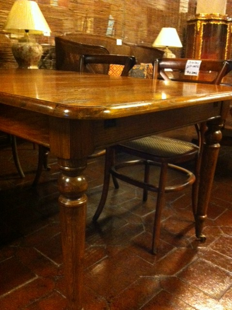 Mesas de comedor victorianas clasicas madrid for Mesas de comedor rectangulares